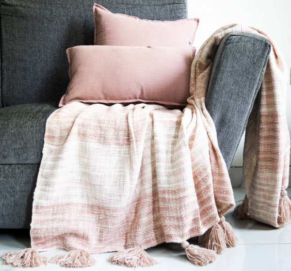 Shades Of Pink Heavy Tassel Throw
